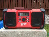 MILWAUKEE JOBSITE RADIO WITH USB PORT