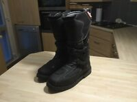 BUSE MOTORBIKE BOOTS SIZE 11