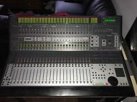 Focusrite Control 24 (Digidesign) + Pro tools 10/11 HD