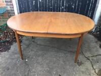 G plan fresco dining table extending £90