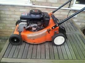 Petrol grass cutting machine