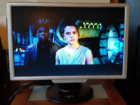 "22"" GNR LCD monitor with built-in speakers, resolution 1680 x 1050px, VGA and DVI inputs"