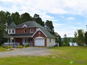 460 000$ - Maison 2 étages à vendre à Gaspé