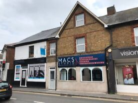 Immediate LET: Ideal for BEAUTY, MASSAGE, PHYSIO, OSTEO therapy, OFFICE space. Inc Electric & WiFi