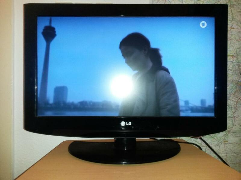 drehbarer 26 zoll hd lcd tv fernseher inkl 2x hdmi pcmcia in berlin friedrichshain. Black Bedroom Furniture Sets. Home Design Ideas