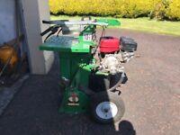 9hp petrol log splitter with 10.5 tones of pressure