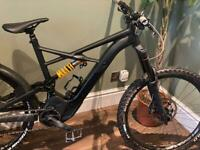 SPECIALIZED EXPERT KENEVO XL BRAND NEW HOPE V4 BREAKD AND VENTED DISC'S