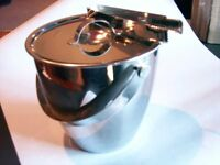 ICE BUCKET IN HIGHLY POLISHED STAINLESS STEEL WITH MATCHING LID. £13. GATESHEAD