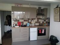 1 Bed Flat IN BD9 £100
