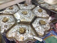 Large rotating dishes and spoon set