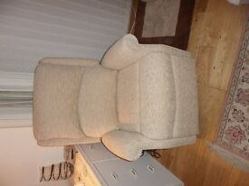 Electric rise & recline chair - brand new electric rise and recline chair cost £1400