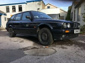 BMW E30 325i Touring rolling shell project Metallic diamond black