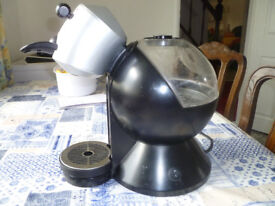 Nescafe Dolce Gusto coffee Machine (used) Good working order, plus pods.