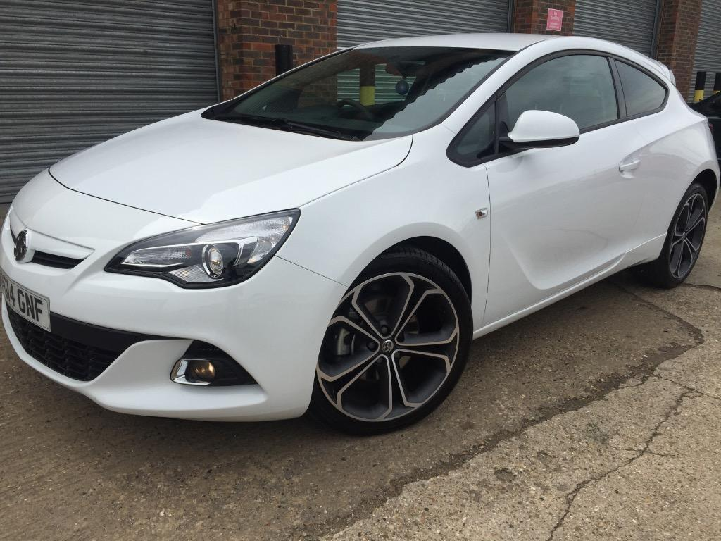 vauxhall astra gtc 1 4 turbo 16v limited edition 3dr start stop 20 alloys full bodykit dab cd. Black Bedroom Furniture Sets. Home Design Ideas