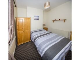 2 Double Rooms Available in Lower Ormeau Road - Fully Furnished - All Bills Included!