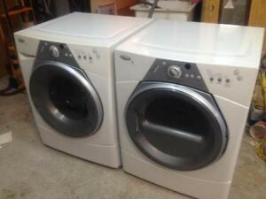 217- Laveuse Sécheuse Frontales WHIRLPOOL Duet Sport   Frontload Washer and Dryer