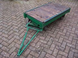 Turntable trolley/platform flatbed truck
