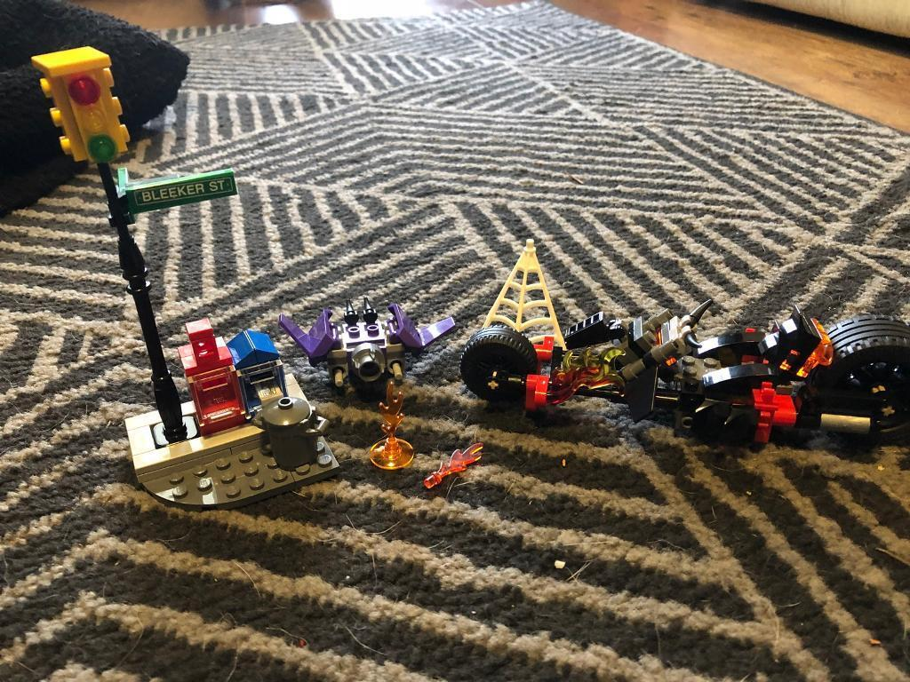 Lego spider man and ghost rider setin Hucknall, Nottinghamshire - No minifigures. Comes complete with bike, hobgoblins hovercraft and accessories. Missing some flames