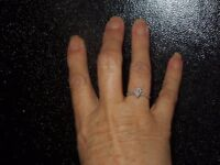 stunning 18ct white gold diamond ring worn a handful of times size k
