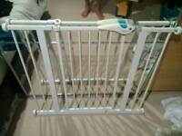 Lindam Easy Fit Plus Deluxe Safety Gate