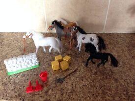 toy horse set