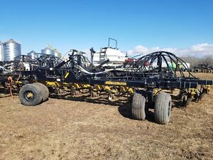 PRICED REDUCED 2008 seedmaster 5012 bourgault 3225 air tank