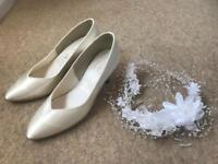 Wedding shoes and head or bag display worn once size 3 half bargin