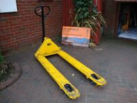 Pallet Truck ( long and used)