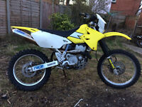 Suzuki DRZ 400s. Duel sport, great for on and off road.
