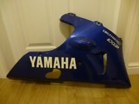 YAMAHA R1 4XV 1999 GENUINE BLUE BELLY PAN / LOWER FAIRING (WILL ALSO FIT A 98 MODEL AS WELL)
