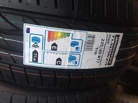 New tyre Bridgestone 2254517 fitted