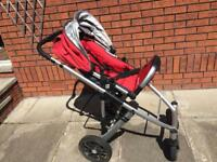 Uppababy carrycot, buggy, and Maxicosi car seat