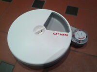 Cat Mate automatic 5-meal cat feeder