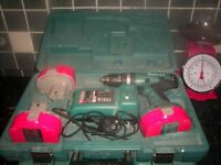 makita 18v battery drill with 3 batteries and charger
