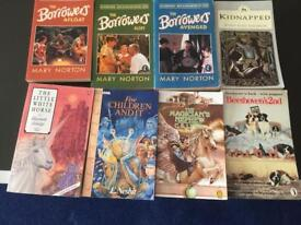 Coloection of 32 Books suitable for any y readers library. All in good clean condition.