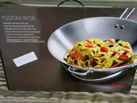 Cooking Fusion wok