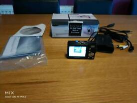 Samsung P800 camera with box and accessories
