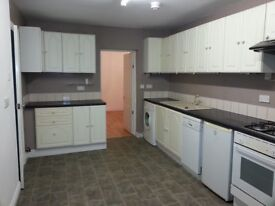 Swansea Rd Waunarlwydd near Gowerton Large Modernised 2 bed GF Flat with off road parking