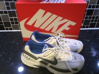 Nike Roshe Blue & White Running Shoes - Excellent Condition Rarely Worn Size  9