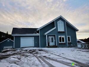 485 000$ - Chalet à vendre à St-David-de-Falardeau Saguenay Saguenay-Lac-Saint-Jean image 2