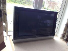 "Panasonic Viera TH-42PE30 42"" Plasma Television TV -Wall mounted, Scart only, No HDMI, No stand"