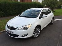Vauxhall Astra Exclusive 1.4 Petrol - White