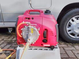 Honda eu10i 1Kw 240Vac Suitcase Generator LPG or Petrol - Hardly Used