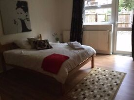 LARGE BEDROOM NEAR TO LEYSTONSTONE