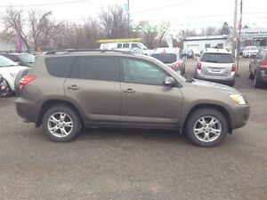 2011 Toyota RAV4 Limited * POWER ROOF * CAM * 4WD London Ontario image 8