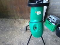 Garden shredder black and decker gs1800 only used twice last year vgc gwo