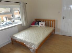 DOUBLE ROOM to rent for single occupancy Old Woking, 610 pcm,bills icl, fully refurbished