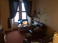 1 bed and small box rm Flat to rent. Maryhill rd £400pcm