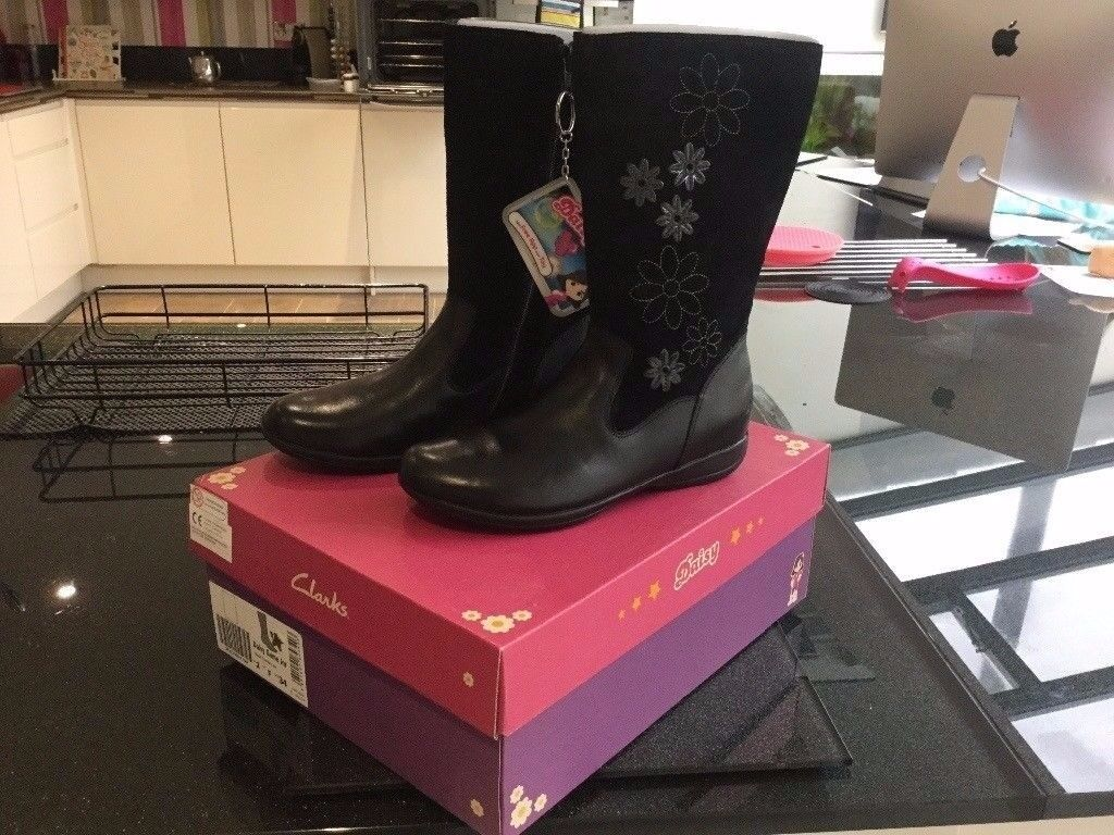 Clarks Girls Leather Boots BRAND NEW