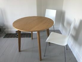 Table Round Solid Oak